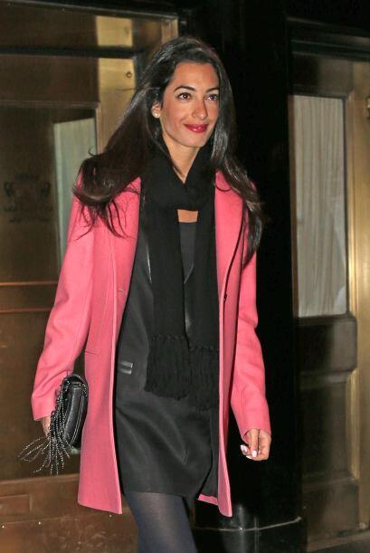 Y si hablamos de Amal, esa sonrisa nos deja ver que está muy feli...