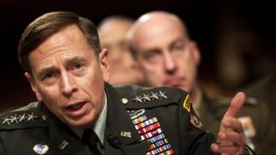 David Petraeus se disculpó por las circunstancias que lo hicieron renunc...