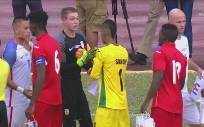 Gran gesto de los jugadores de USA: les regalaron sus cosas a los jóvene...