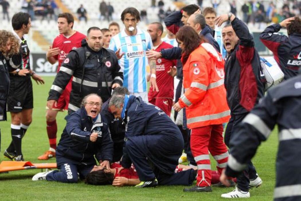 De inmediato, jugadores y cuerpo técnico quedaron impactado y pidieron e...