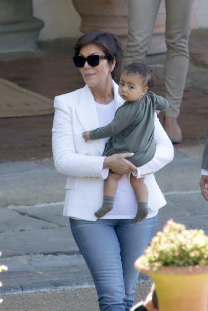 Por supuesto, el vestido de Kim Kardashian tenía que ser de lujo. Ella e...