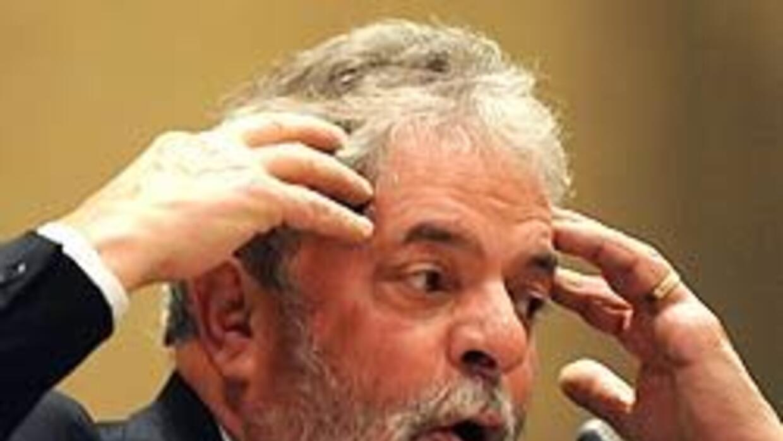 Partido de Lula planea vender muñecos del presidente para financiar camp...