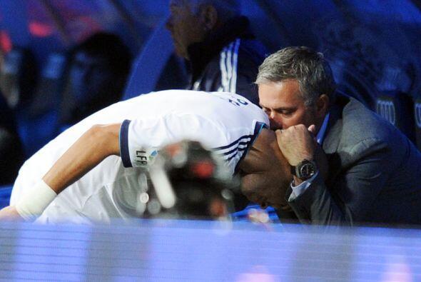 Y vaya felicitación que recibió de parte de Mourinho. Qué cariñoso.