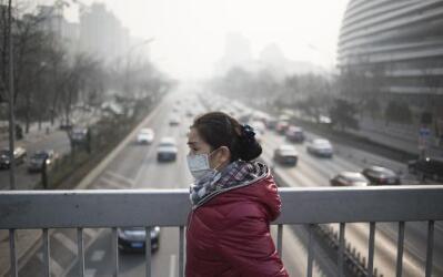 No sólo nuestros pulmones, sino también nuestra piel, sufren por el esmog.