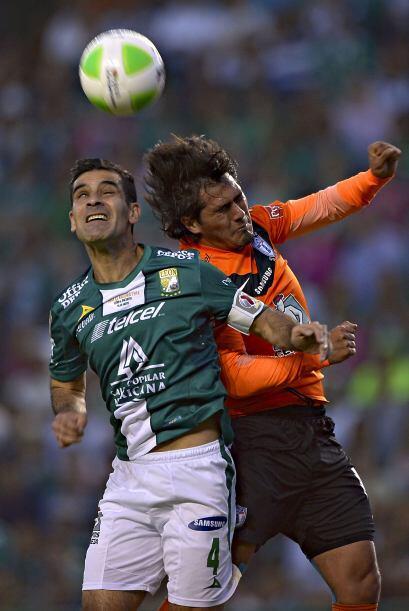 Rafael Márquez (10).- El partido estuvo en general a favor de su...