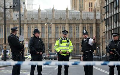 Ataque terrorista en Londres deja 4 muertos y al menos 40 heridos