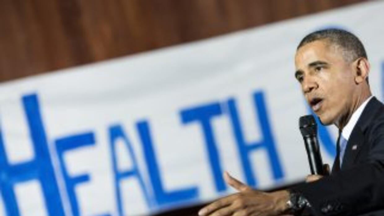 Obama lamenta que algunos estadounidenses perdieran cobertura de salud.