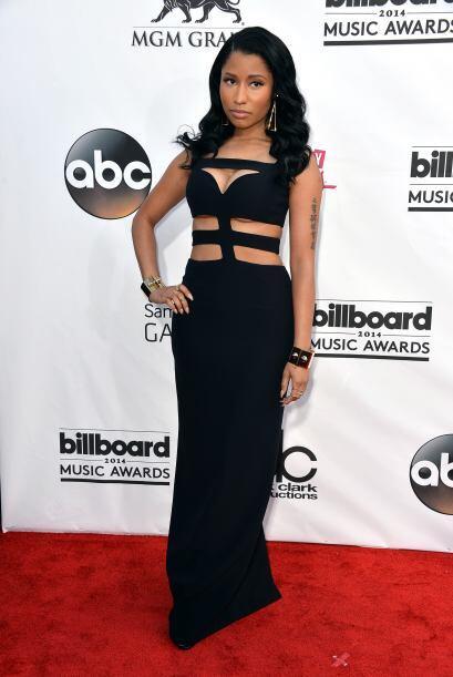 """Nicki Minaj, de negro y muy """"recatada"""" a comparación de otras ocasiones...."""