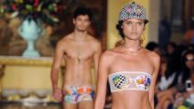 Modelo desfila en El Fashion Rio