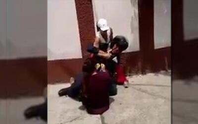 Video de agresión a policía en México se hace viral
