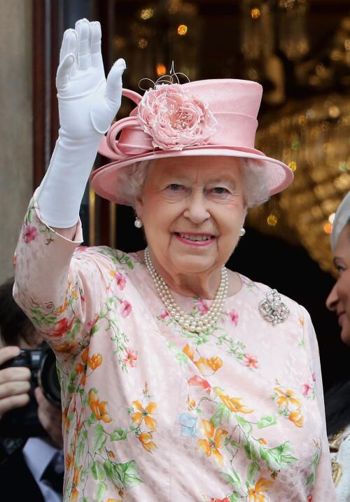 La Reina durante su visita a Liverpool el 22 de junio.