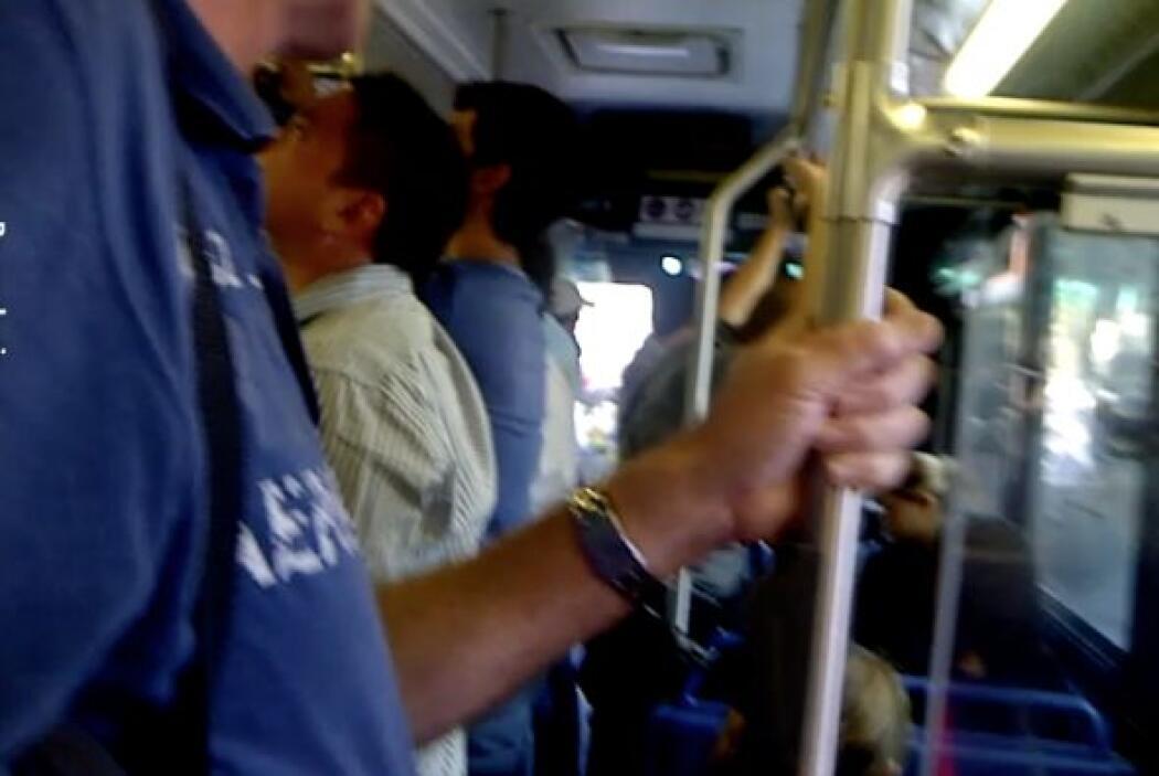 Y mejor ni les cuento la experiencia en el autobús. Me dejan parada salv...