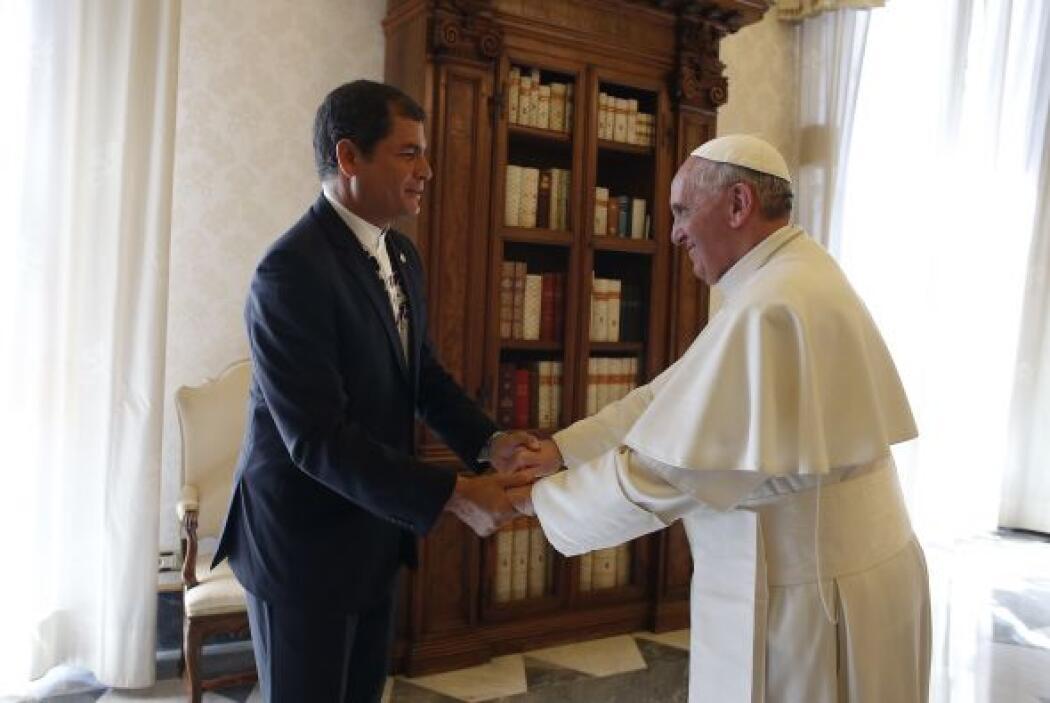 El 19 abril, cuatro días después de la visita de Rajoy, recibió al presi...