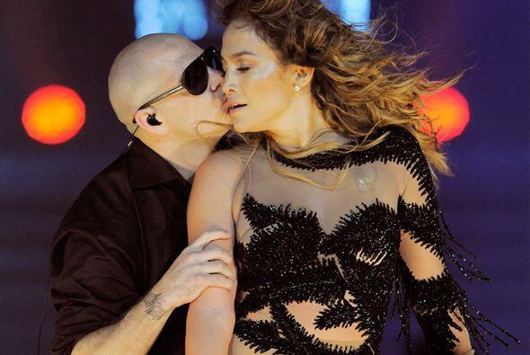 Jennifer Lopez y Pitbull elevaron nuestra temperatura este año con 'Danc...