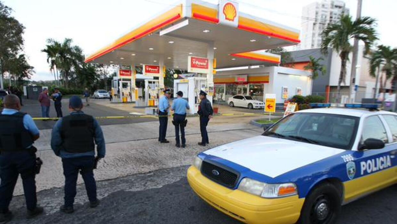 Asesinan a policía en gasolinera de Caimito