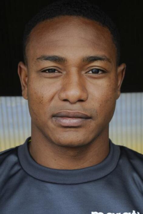 Oswaldo Minda se va al fútbol de la MLS en donde jugará para las Chivas...