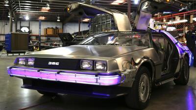 "Réplica del auto de ""Volver al Futuro"""
