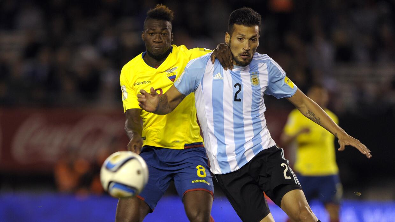 El defensa argentino dejó la concentración para presenciar el nacimiento...