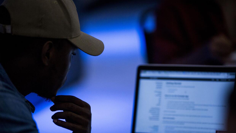 California contra el acoso sexual cibernético