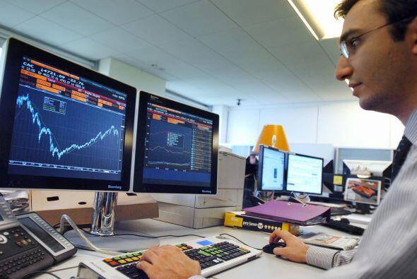 En París, el índice CAC 40 subió 0.89%, quedando en 3,225 puntos. En Frá...
