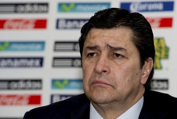 Otro que probó suerte como entrenador de los aztecas fue Luis Fer...