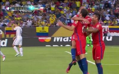 Goooolll!! José Pedro Fuenzalida Gana mete el balón y marca para Chile