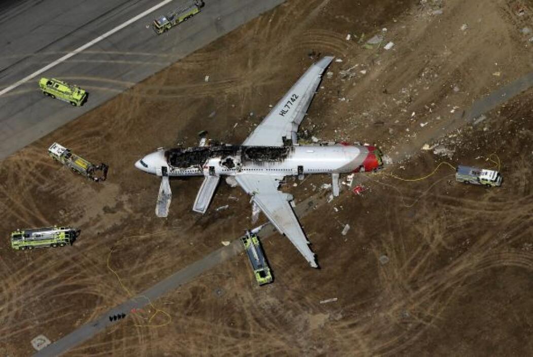 Lee Kang-kuk, el piloto encargado, trató de corregir su curso cuando vio...