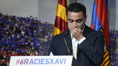 El futbolista español se emocionó durante el evento que le organizó el club