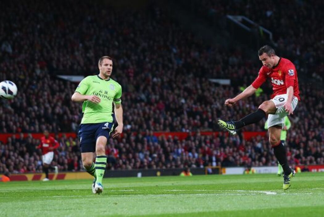 Luego de que Wayne Rooney pintara un largo traso para el holandés, Robin...