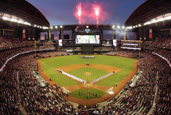 Casi 50 mil fanáticos estuvieron presentes en el estadio Chase pa...