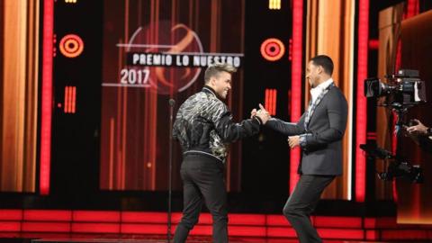 Las celebridades latinas y de Hollywood más sexys  Screen Shot 2017-02-2...