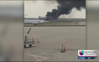 Testigo narra el momento del incendio del avión en el aeropuerto O'Hare