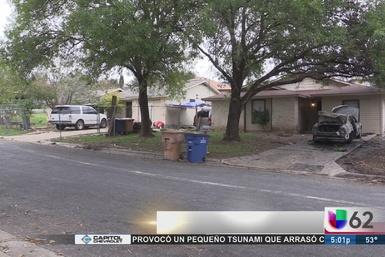 Incendio de auto deja a dos niños heridos
