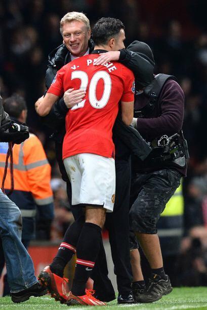El entrenador David Moyes felicitaba al autor del gol.