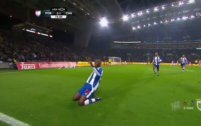 Goooolll!! Danilo Luis Hélio Pereira mete el balón y marca para Porto