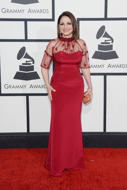 Pese a ser una mujer madura, Gloria Estefan está de muy buen ver. Con es...