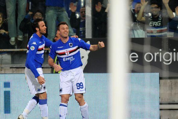 Con la llegada de Gianpaolo Pazzini, formó una dupla letal en el ataque.