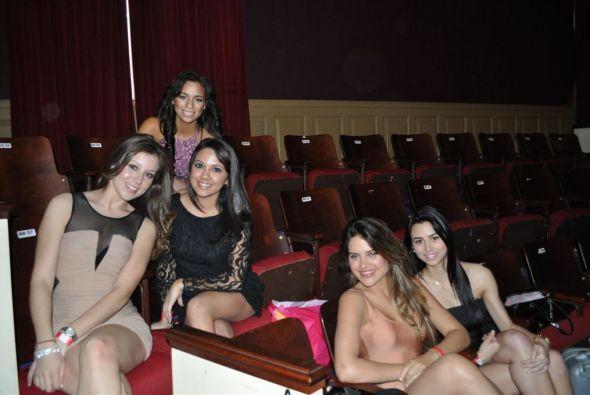 Las chicas platicaron y se aconsejaron antes de ver al jurado.
