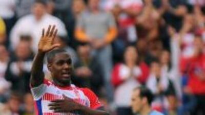 Odion Ighalo dio un gol que es oro molido para Granada.