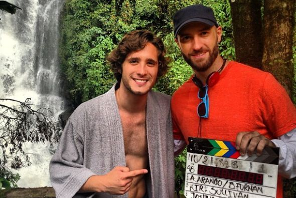 Diego Boneta se encuentra en Colombia trabajando y con esta foto confirm...