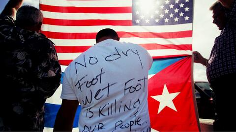 Protesta en 2006 contra 'Wet Foot/Dry Foot' porque regresaban a Cuba a d...