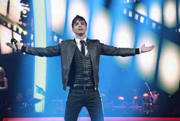 """Poyato cantó el hit de Daniela Romo """"De mí enamórate""""."""
