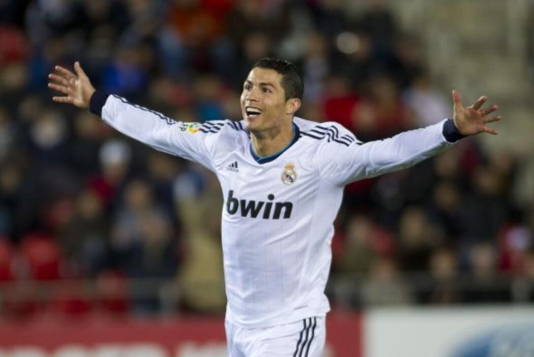 Cristiano también hizo un doblete al igual que su compañero Higuaín, lue...
