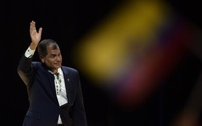 El presidente ecuatoriano Rafael Correa se despide del poder luego de di...