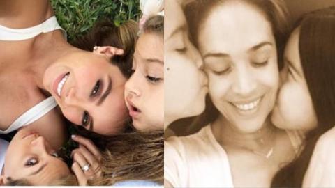 Ely González con sus hijos (d) y Karla  Martínez con los...