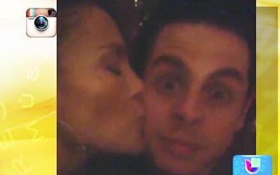 Mira el besote que Jennifer Lopez le dio a Casper Smart
