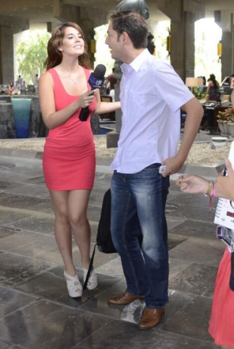 Jan fue otro de los que llegó primero a Acapulco, con pantalón de mezcli...