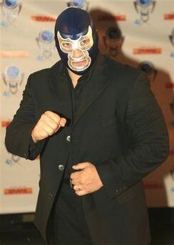 3. Blue Demon Jr. Nació el 19 de julio de 1966 en la Ciudad de M&...