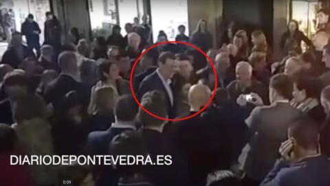 Momento del puñetazo a Mariano Rajoy