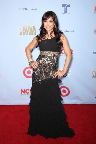 Mayte Garcia fue una de las mejores de la noche de lso ALMA awards 2012,...